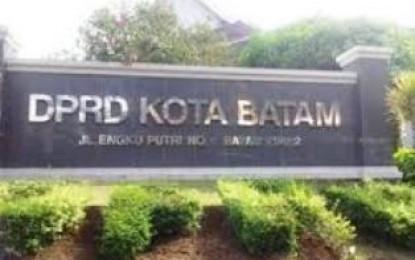 Tuntutan Puluhan Karyawan PT.Cladtek Diterima Komisi IV DPRD Batam