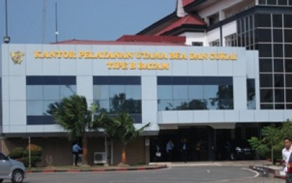"BC Batam Diduga ""Pelihara Mafia"" Gula Ilegal 2000 Ton"