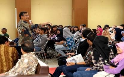 Menpora Hadiri Acara Seminar Kepemudaan