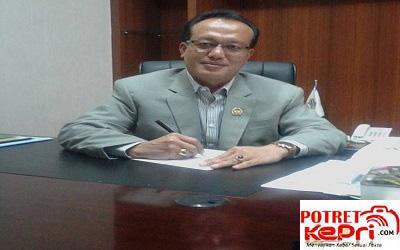 Aggota Komisi I DPRD Batam,Harmidi . sumber foto / facebook.com (www.potretkepri.com)