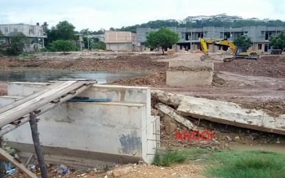 Pembangunan Jembatan Penyeberangan Riau Bertuah – Puri Rabhayu Milik PU Provinsi  Dipertanyakan