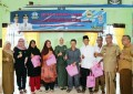 Memperingati Hari Kesetiakawanan Sosial Nasional dan Hari Ibu ke 89 , Ketua LK2S Serahkan 200 Paket Souvernir Lansia