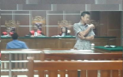 Terdakwa Bawa Handphone Ikuti Sidang , Ini Teguran Ketua Majelis