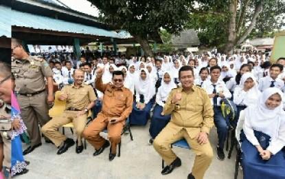 Bangun Generasi Qur'ani, Bupati Bintan Launching Program 15 Menit Mengaji