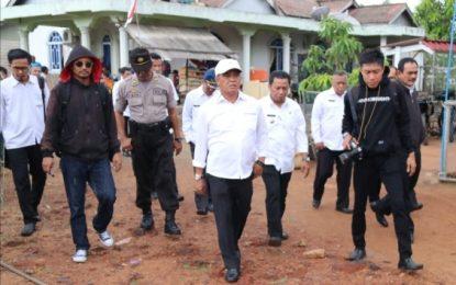 Tinjau Puting Beliung, Wakil Bupati Bintan Turun Ke Desa Kelong dan Air Glubi