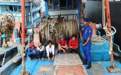 Dua Kapal Vietnam Tidak Lengkap Dokumen Ditangkap Diperairan Natuna