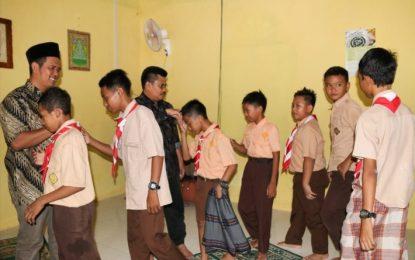 Usai Tinjau Rehab Kelas, Bupati Bintan Shalat Berjamaah Bersama Siswa