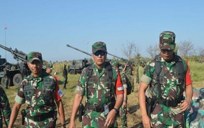 Pangdivif -1 / Kostrad Tinjau Alutsista Armed di Situbondo
