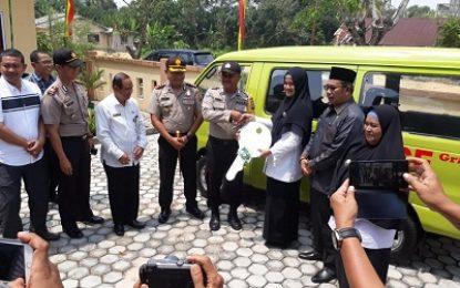 Bripka Samson Tarigan Hibahkan Mobil Ambulance Kepada Masyarakat