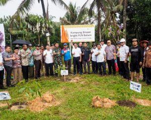 Bright PLN Batam Lakukan Penghijauan dan Kembangkan Kampung Binaan Melalui CSR