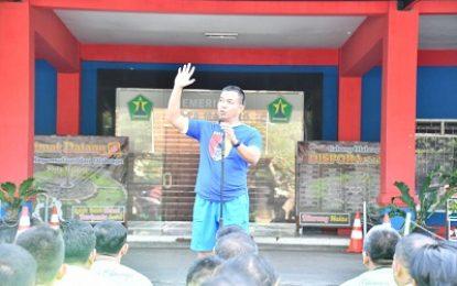 Olahraga Sebelum Bekerja di Lingkungan Korem 083/Baladhika Jaya