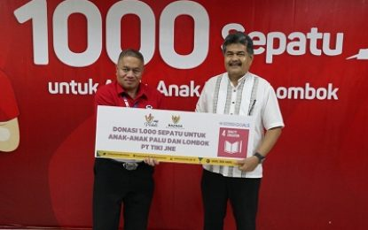 Gandeng BAZNAS, JNE Donasikan 1.000 Pasang Sepatu untuk Anak Korban Bencana Palu dan Lombok
