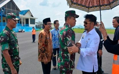 Kunker ke Jember, Mentan RI Syahrul Yasin Disambut Danrem dan Dandim